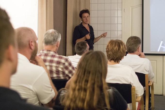 Helena Söderberg introducerar
